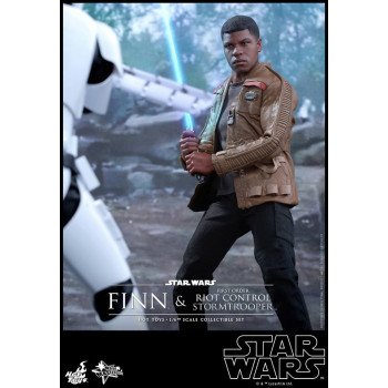1/6S SW Ep. 7 Finn & Riot Control Stormtrooper