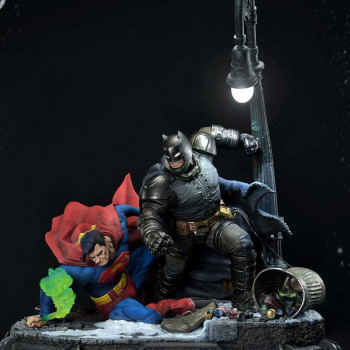 P1 UDMDCDK3-01 DKR BATMAN VERSUS SUPERMAN
