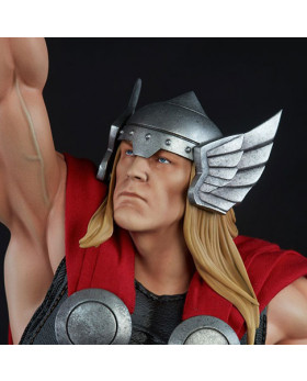 SC AA Thor Statue