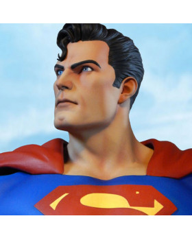 TH Super Powers Superman Maquette